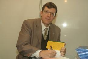 """Tarde de Autórgrafos da 1ª edição do livro  """"O Direito no Desporto"""" após a realização do 3º Congresso Nacional de Justiça Desportiva em Florianópolis em 2007"""